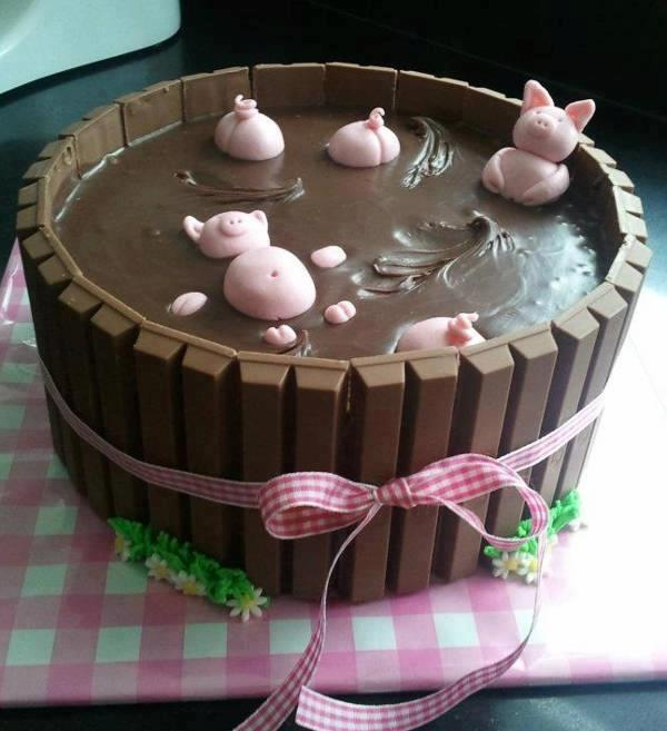 PIGS IN THE MUD CAKE