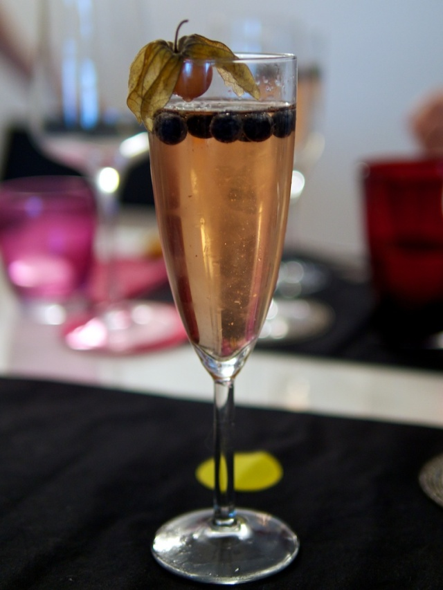 asti-cocktail mit rosenwasser