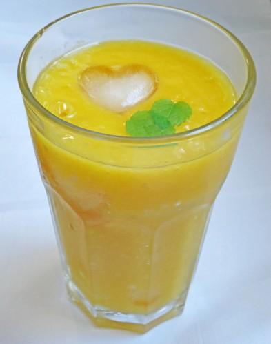 mango-orange-smoothie