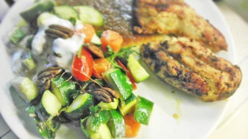 marokkanischer karotten salat mit hendl nach jamie oliver. Black Bedroom Furniture Sets. Home Design Ideas