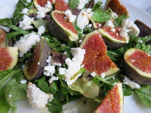 Feigen-Salat mit Ziegenkäse