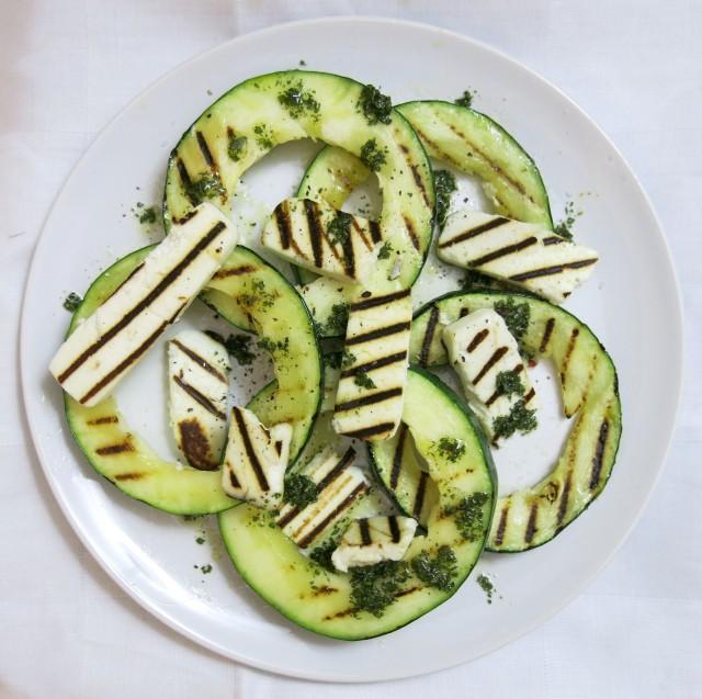 Gebratene Zucchini mit Manouri