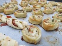 Feigen-Gorgonzola-Tartes mit Rohschinken