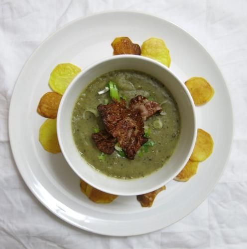 Erdäpfel-Champignon-Suppe mit frischen Chips2