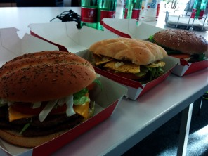 Die drei Siegerburger (v.l.n.r.)! Big Boss Halid, Tortilla Spezial, Erebos